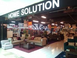 home solution merupakan jaringan toko retail yang menjual furniture rumah tangga sofa ruang