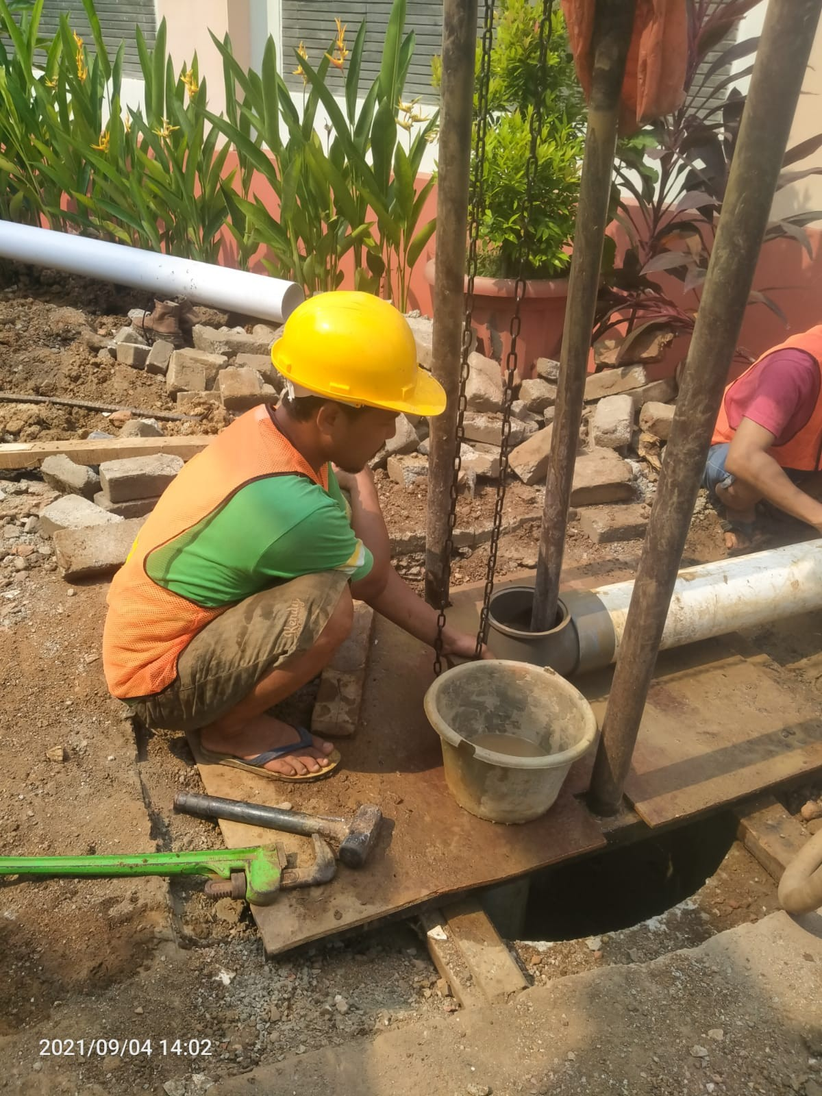 JASA SERVICE POMPA AIR JAKARTA TIMUR | PENGEBORAN SUMUR JAKARTA TIMUR AMBO TEKNIK