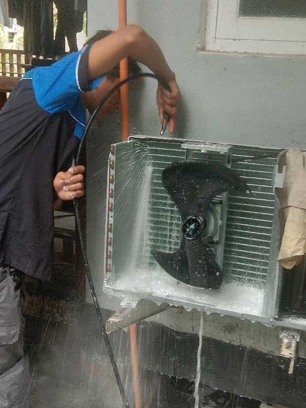 Service AC Cibinong MULTI JAYA SERVICE