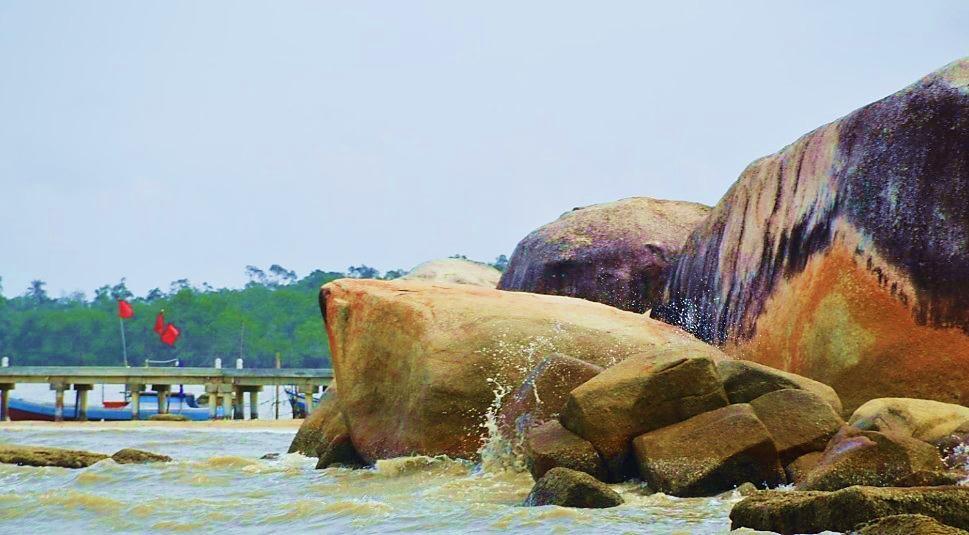 Pantai Batu Perahu, Toboali - Bangka Selatan