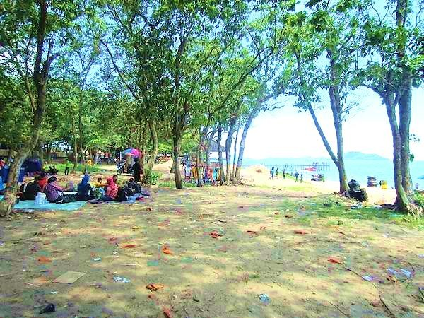 Pantai Pasir Panjang Singkawang