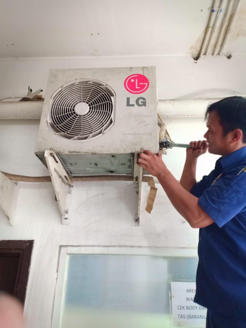 Service AC Jakarta Barat SOLUSI TEKNIK PRIMA