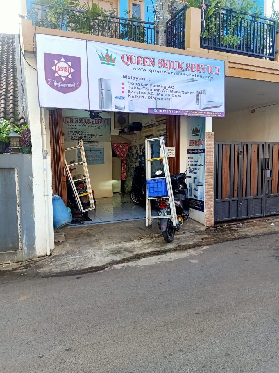 Service AC Jakarta Selatan QUEEN SEJUK SERVICE