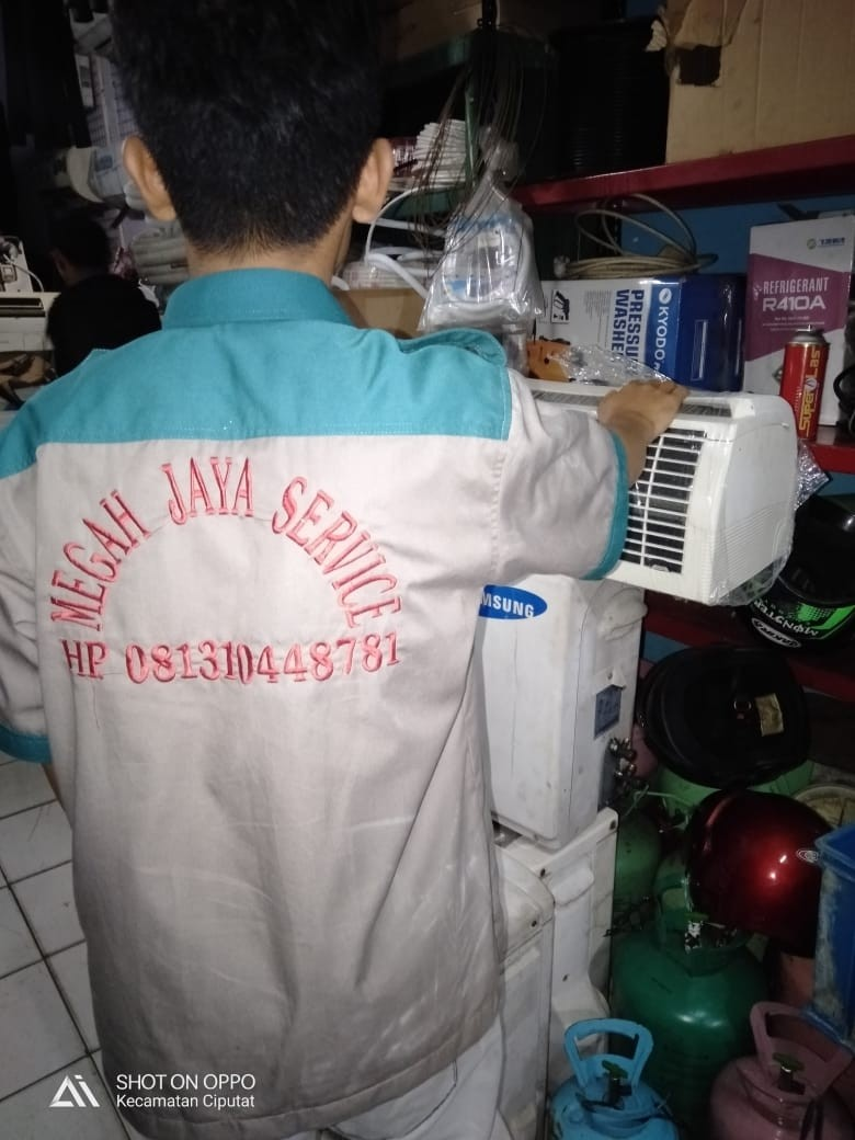 Service AC Tangerang Selatan MEGAH JAYA SERVICE