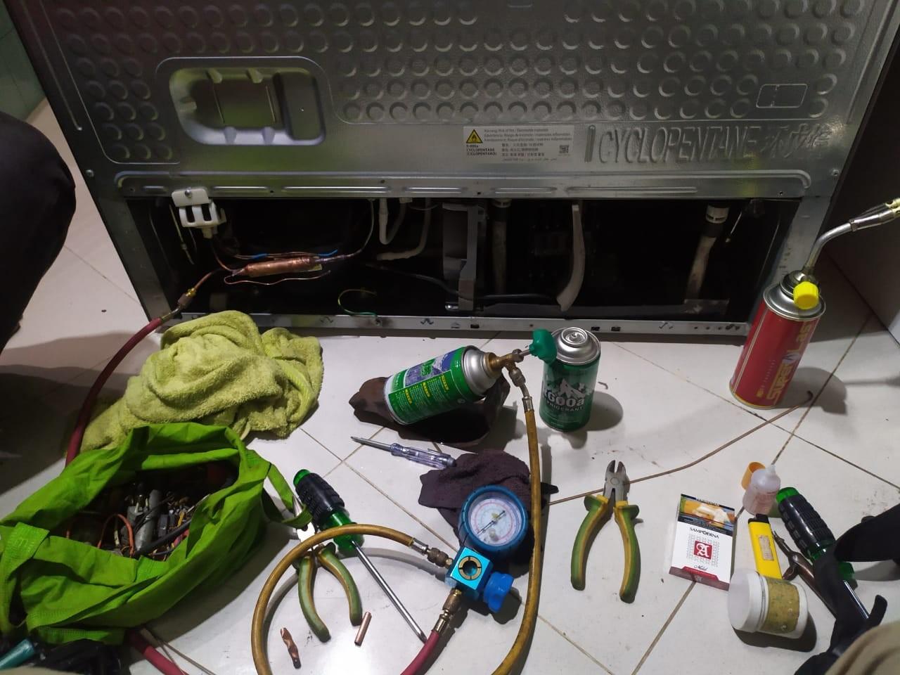 Service Kulkas Jakarta Barat AZALIA TECHNICAL SERVICE